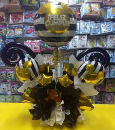Ideas Para, Balloons, Amor, Candy Arrangements, Birthday Gift Baskets, Basket Gift, Globes, Balloon, Hot Air Balloons