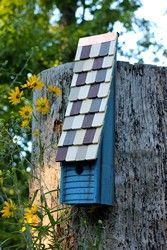 Jacob's Ladder Bird House Architecture For Birds! Detailed works of art that are beautiful in a garden or can be used indoors as an accent! #birdhouses #birds #exteriorhomescapes #exteriorhomescapes.com #exterior homescapes #outdoors #design #outdoorfurnishings