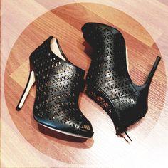 Killer ankle boots! Ann Taylor Fall 2013 {Instagram: annabaun}