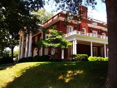 1716 Kanawha Blvd E, Charleston, WV 25305 Towns In West Virginia, Outdoor Activities, Colonial, United States, Mansions, Architecture, House Styles, City, Building