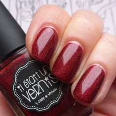 il était un vernis pinot noir - holographic ruby red #nail polish / lacquer / vernis, swatch / manicure @marzipany