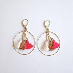 【polder】VERMONT Love these delicate tassel earrings! Thread Jewellery, Tassel Jewelry, Fabric Jewelry, Wire Jewelry, Jewelry Crafts, Beaded Jewelry, Jewelery, Bead Earrings, Tassel Earrings