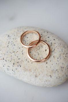 wedding rings, engagement rings, pink gold, pebble, votsalo, gamos