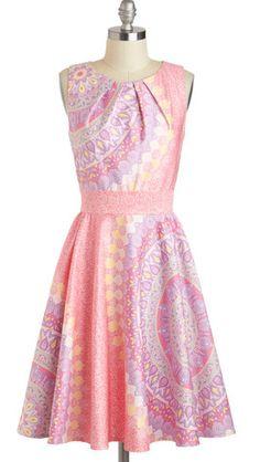 http://www.donnaclassey.com/2013/04/dreamy-backyard-reception-dress-pink.html