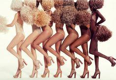 """Quando lançou sua primeira coleção de sapatos nudes em 2013, o designer Christian Louboutin definiu perfeitamente o """"espírito da coisa"""", ao explicar que 'nude não é uma cor, mas sim um conceito'. Na época, 5 tons de um único modelo de sapato foram lançados. De lá pra cá, a marca adicionou alguns itens ao seu seleto catálogo, como uma linha de sapatilhas e mais duas variações de tons de pele para a linha lançada cinco anos atrás. E no último dia 28, ao lançar sua próxima coleção de verão, o…"""