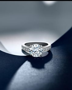 Idée et inspiration Bague Diamant :   Image   Description   John Bennett | JSR | Jewellery Photography | DeBeers                                                                                                                                                     More