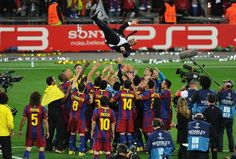 These areImages about Image barcelona era pep guardiola Image barcelona era pep guardiola The word 'Image barcelona era pep guardiola is li... Fc Barcelona, Barcelona Players, Real Madrid Players, Pep Guardiola, Manchester United, Football Daily, Xavi Hernandez, Club World Cup, Soccer