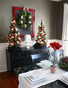 art the yellow cape cod holiday home series christmas dining room on a dime love the framed chalkboard with wreath - Christmas Decorating On A Dime