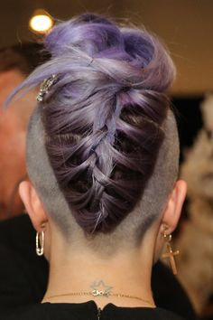 Have you seen the latest trend of undercut hair designs for women? For ladies who like bringing something new and different hair ideas to the table, these shaved hair designs for women and use of colors are very much a thing to be looking into. French Braid Mohawk, Upside Down French Braid, Braided Mohawk, Long Hair Mohawk, Short Hair With Undercut, Knotted Braid, Funky Hairstyles, Braided Hairstyles, Shaved Hairstyles