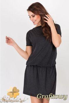 Sportowa sukienka przed kolano marki AWAMA.   #cudmoda #moda #styl #ubrania #odzież #clothes #sukienki