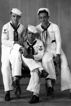 The Vintage Life: Photo Marin Vintage, Vintage Men, Vintage Images, Pinup, Vintage Sailor, Photos Originales, Navy Sailor, Sailor Style, Navy Man