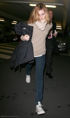 ARRIVING INTO HEATHROW AIRPORT IN LONDON - MARCH 26, 2010