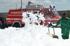 Evaluarea Riscurilor de incendiu, Realizare scenariu de siguranta la foc Fire, Snow, Modern, Outdoor, Firefighter, Outdoors, Trendy Tree, Outdoor Living, Garden