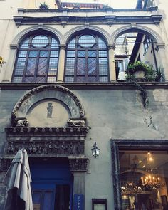 Loves these windows { Florence Italy } // @allafiorentina