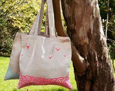 Tote bag en lin peint en rose fluo - Sac cabas vagues - ,  boutique lesMiniboux via Etsy.