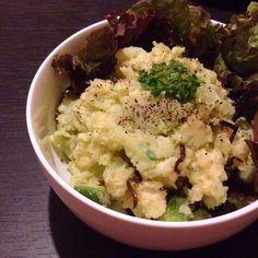 旦那ちゃんがお土産でくれた明太子と塩昆布を足しました\(^o^)/ - 68件のもぐもぐ - クラッシュアボカドポテトサラダ by shiiiken