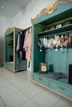 """Dzenitas Bakker exclusive lingerie shop """"FIFI"""" (Riga, Latvia) ♥♥♥♥♥ - New Deko Sites Boutique Decor, Boutique Interior, Boutique Design, Vintage Boutique, Refurbished Furniture, Repurposed Furniture, Furniture Makeover, Painted Furniture, Furniture Projects"""