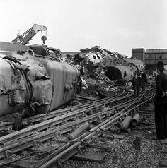Harrow and Wealdstone Train Crash (1214×1227)