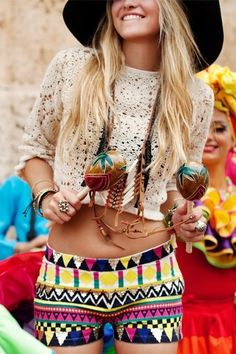 We love this combination of lace and Aztec print #festival #style #fashion