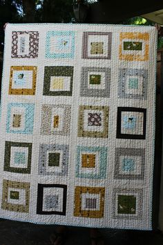 I love the straight line quilting on this. Gonna have to give that a try.
