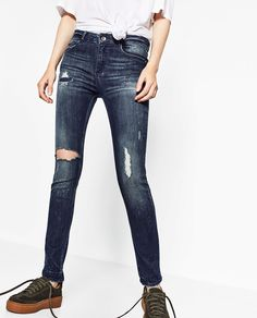 Image 4 of RIPPED SKINNY JEANS from Zara