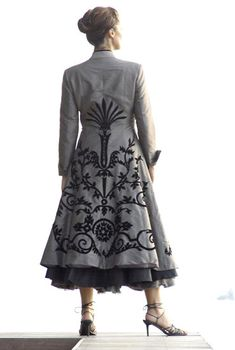 For the classic, modern and elegant mother of the bride and mother of the groom, Living Silk offers the perfect dress and two piece outfit for your special occasion. Experience the elegance of Living Silk. Beautiful Outfits, Cool Outfits, Non Plus Ultra, Mode Mantel, Two Piece Outfit, The Dress, Mother Of The Bride, Parka, Formal Dresses