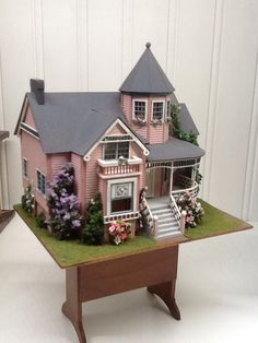 Victoria Dollhouse Dollhouse by Pat Russo