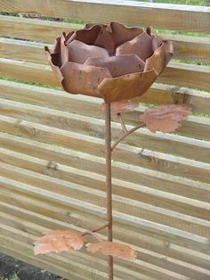 Maxi Rose, große Blume aus Edelrost, ca 1 m hoch von Little Things auf DaWanda.com Gardening, Etsy, Big Flowers, Horse Shoes, Objects, Lawn And Garden, Horticulture