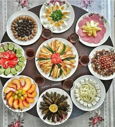 Breakfast Bread Recipes, Brunch Recipes, Turkish Breakfast, Fingerfood Party, Appetizer Salads, Island Food, Food Platters, Food Decoration, Home Food