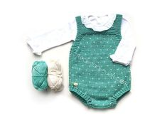 Topitos knitted romper for baby - DIY Knitting Pattern and tutorial Baby Clothes Patterns, Baby Knitting Patterns, Clothing Patterns, Baby Romper Pattern, Romper Suit, Knitted Romper, How To Start Knitting, Rompers, Pullover