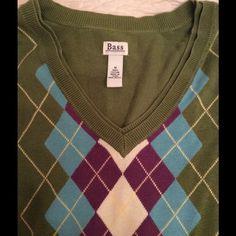 SALE  Bass argyle sweater Bass olive green argyle sweater.  Was used. Not abused. Bass Sweaters V-Necks