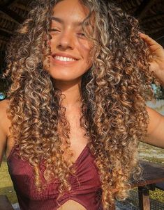 This is the best leave in conditioner for curly hair. Whether you have fine curly hair or thick curls, these leave in treatments will restore your curls. Dyed Curly Hair, Curly Hair Styles, Fine Curly Hair, Colored Curly Hair, Curly Girl, Long Curly, Wavy Hair, Natural Hair Styles, Curls Hair