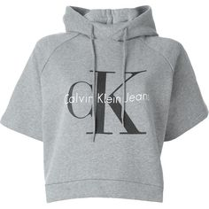 Calvin Klein Jeans Logo Print Cropped Hoodie ($87) ❤ liked on Polyvore featuring tops, hoodies, shirts, crop top, grey, cropped hoodie, gray hoodie, cotton hoodies, crop shirt and cotton hooded sweatshirt