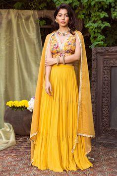 Lehenga Skirt, Lengha Choli, Sari, Sangeet Outfit, Yellow Lehenga, Yellow Print, Wedding Outfits, Printed Blouse, Indian Fashion