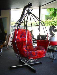 love a hanging chair Steel Furniture, Unique Furniture, Furniture Design, Dream House Interior, Design Your Dream House, Hammock Swing Chair, Swinging Chair, Cute Room Decor, Boys Room Decor