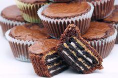 Peanut Butter Oreo Brownies - cheat day treat day #oreobrownies