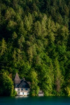 Lone House by Paul Cotter on A house on the waterfront in Lake Bled, Slovenia. Klagenfurt, Beautiful World, Beautiful Places, Hundred Years Of Solitude, Different Points Of View, Lake Bled, Desktop Pictures, Waterfront Homes, Abandoned Buildings