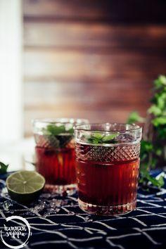 CHRISTMAS MULE - JOULUN RAIKAS DRINKKIVINKKI Moscow Mule, Alcoholic Drinks, Wine, Glass, Christmas Foods, Drinkware, Corning Glass, Christmas Lunch, Liquor Drinks