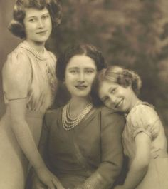 Queen Elizabeth The Queen Mother as Royal Consort Queen Elizabeth with Princess Elizabeth, later Her Majesty Queen Elizabeth II, and Princess Margaret Princess Elizabeth, Princess Margaret, Queen Elizabeth Ii, Margaret Rose, English Royal Family, British Royal Families, Royal Life, Royal House, Prinz Philip