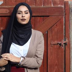 Cardigan & georgette scarf from ⚫️ Habiba Da Silva, Hijab Tutorial, Abaya Fashion, Mode Hijab, Hijab Outfit, Photo And Video, How To Wear, Faith, Outfits
