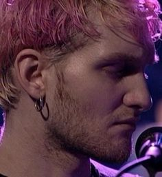 I just want to kiss his ear...my obsession runs deep <3  Layne Thomas Staley 1967-2002