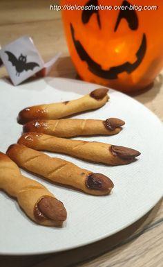 C'est un Halloween différent cette année, mais cela ne nous a pas empêché de nous amuser avec une chasse aux bonbons dans la maison et aussi la réalisation de ces doigts de sorcière à croquer pour le goûter! Ils étaient terriblement appétissants! Pour...
