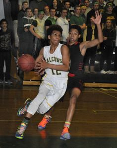 H.S. BOYS' BASKETBALL: D-R's frigid touch leads to early tournament exit
