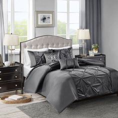 Introduce a luxurious allure to your bedroom decor with the Madison Park Mia Velvet Duvet Cover Set. The duvet cover and shams display an elegant tufted velvet center that is pieced with matte satin charmeuse for a luxurious look. Elegant Comforter Sets, Grey Comforter Sets, Velvet Bedding Sets, Velvet Duvet, Bed Duvet Covers, Duvet Cover Sets, Navy Bedding, How To Clean Pillows, Tufted Bed