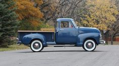 Chevy trucks aficionados are not just after the newer trucks built by Chevrolet. They are also into oldies but goodies trucks that have been magnificently preserved for long years. 1950s Chevy Truck, Vintage Chevy Trucks, Antique Trucks, Old Trucks Chevy, Classic Pickup Trucks, Old Pickup Trucks, Gm Trucks, Lifted Trucks, Jeep Pickup