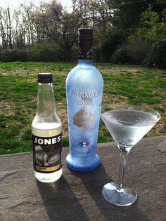 Cream Soda Martini (4 oz pinnacle whipped cream vodka  10 oz jones cream soda)