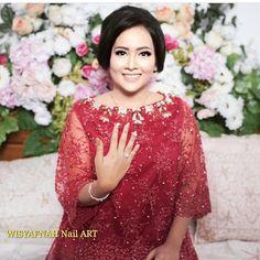 Lamaran Repost from Attire by ❤️ Kebaya Lace, Kebaya Hijab, Kebaya Brokat, Kebaya Dress, Kebaya Muslim, Abaya Fashion, Muslim Fashion, Women's Fashion, Batik Long Dress
