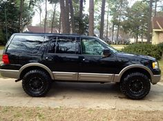 I really adore this paint color for this Ford Expedition Suv Trucks, Lifted Ford Trucks, Chevrolet Trucks, Diesel Trucks, Pickup Trucks, 2009 Ford Explorer, Ford Excursion, Ford Expedition, My Ride