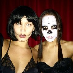 Pin for Later: 31 Top-Notch Halloween Costumes From All the Top Models Bella Hadid Bella was a vampy-looking skeleton in some black lingerie.