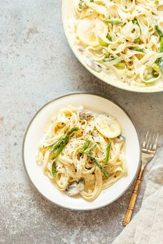 Vegan Lemon Asparagus Pasta - 30 mins! Creamy Lemon Alfredo style sauce with tofu with fettuccine,pan roasted garlic asparagus & more lemon. Nutfree Recipe. Can be Glutenfree. Asparagus Pasta, Lemon Asparagus, Roasted Garlic Asparagus, Vegan Weeknight Meals, Vegetarian Entrees, Vegan Dinners, Vegan Pasta, Vegan Recipes Easy, Whole Food Recipes